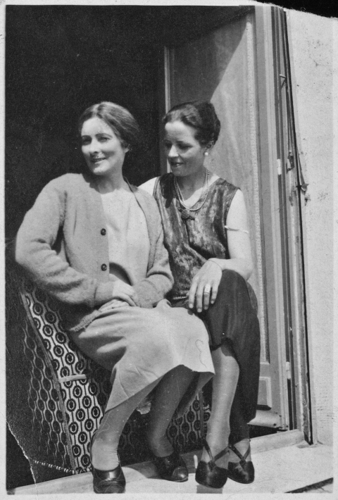 Djuna Barnes and Mina Loy, 1927.