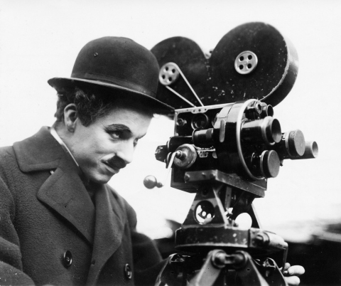 Charles_Chaplin_behind_camera-2-Copyright-ROY-EXPORT-SAS- copy